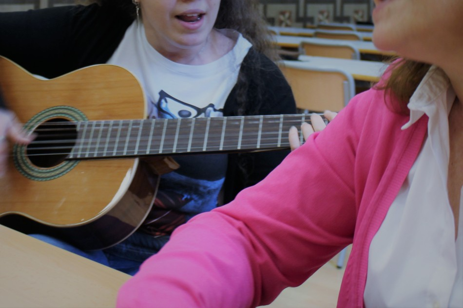 Musicoterapia con canciones aplicada a mujeres víctimas de violencia de género